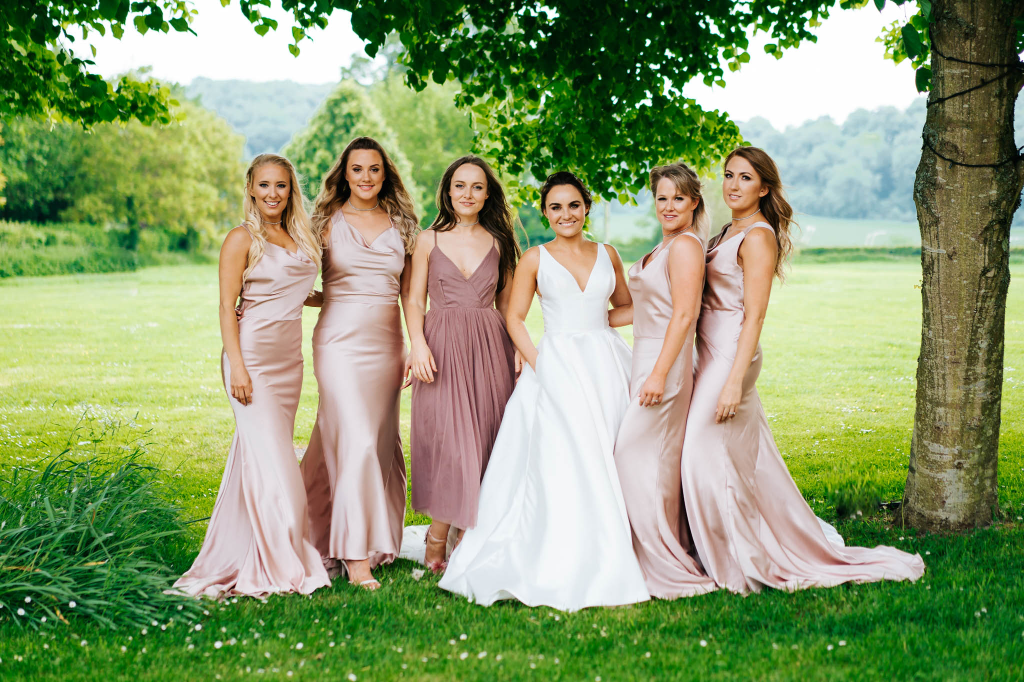 Hampshire wedding photography at Tithe Barn
